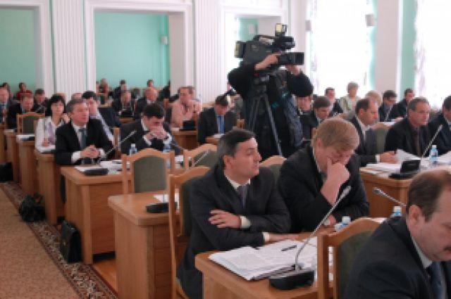 Депутаты горсовета намерены улучшить работу мэрии.