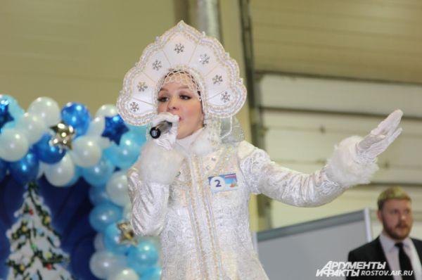 В этом году в конкурсе появилось нововведение: участие в нем Снегурочек – это главное изменение в правилах.