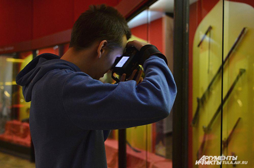 Выставка привлекает студентов и историков.