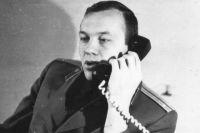 Умение убеждать офицер КГБ-ФСБ Анатолий Апонасенко считает главным в работе. Фото 80-х годов.