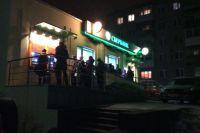 Инкассаторы не успевают пополнять средства в банкоматах.