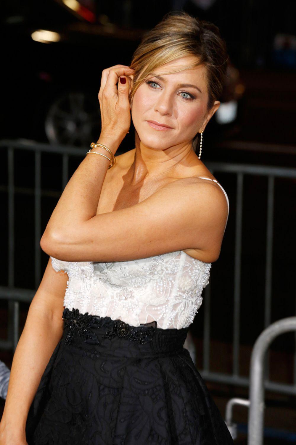 Приз за лучшую женскую актерскую работу достался Дженнифер Энистон (фильм «Торт»).