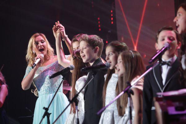 Камалия выступила с благотворительным концертом