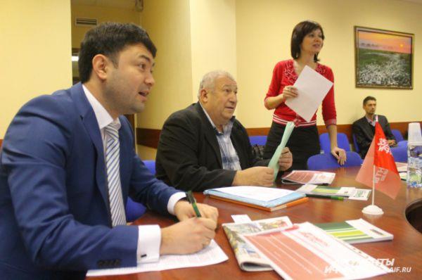Заместитель директора Тульского регионального филиала Россельхозбанка Даниял Сатаев выслушал немало указаний, как работать банку в части кредитования. Но  учить выращивать урожай участников круглого стола не стал.