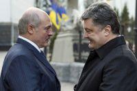 Президент Белоруссии Александр Лукашенко и президент Украины Пётр Порошенко во время встречи в Киеве.