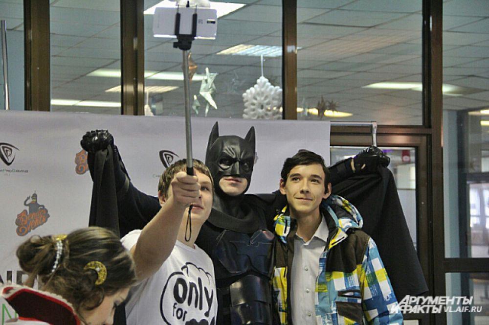 Сэлфи с Бетменом - это круто!