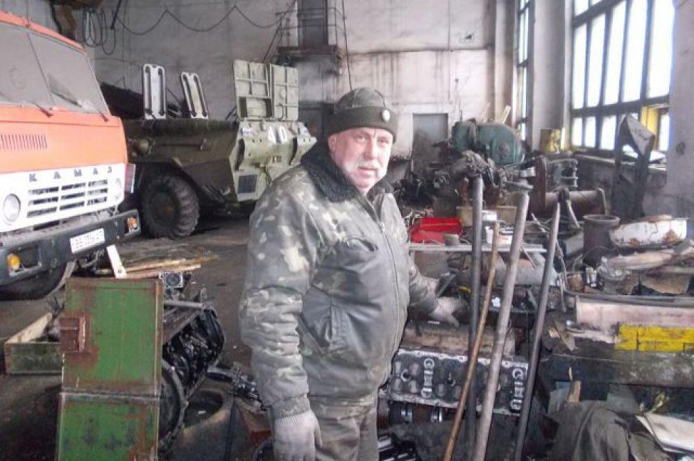 Палыч - бывший шахтёр, как и 80% ополченцев.