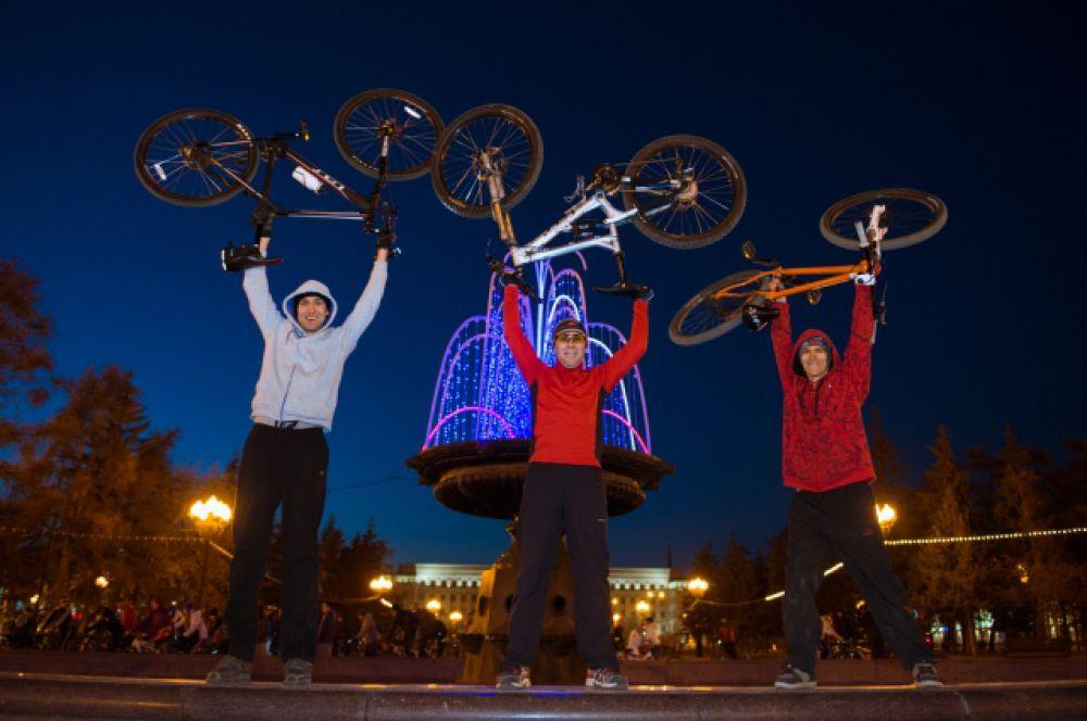 В 2014 году велосипед как спорт и досуг приобрел огромное количество поклонников в Иркутске. Заезд велосветлячков: http://www.irk.aif.ru/society/1134813