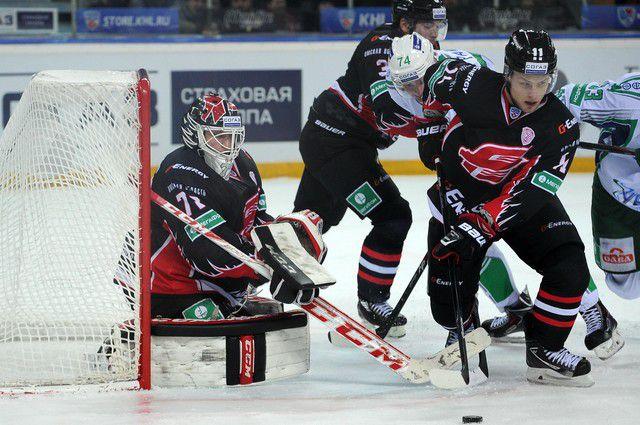 Омские хоккеисты обыграли «Салават Юлаев».