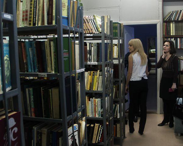 Для этой библиотеки «АиФ» подарил альбомы живописи и книги по кулинарному искусству
