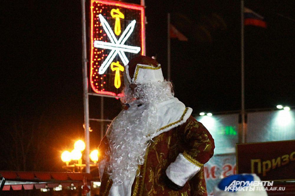 Площадь превратилась в тульскую резиденцию Деда Мороза.