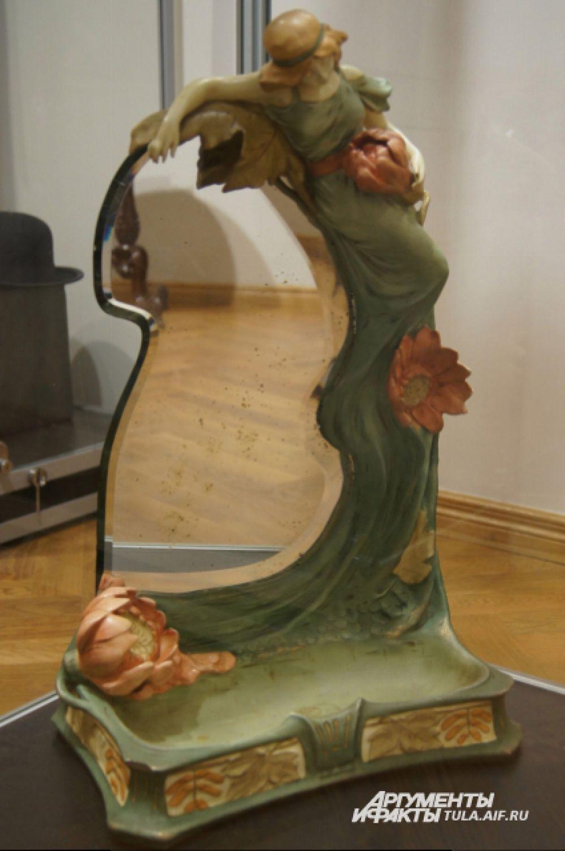 Туалетное зеркало, конец 19 века