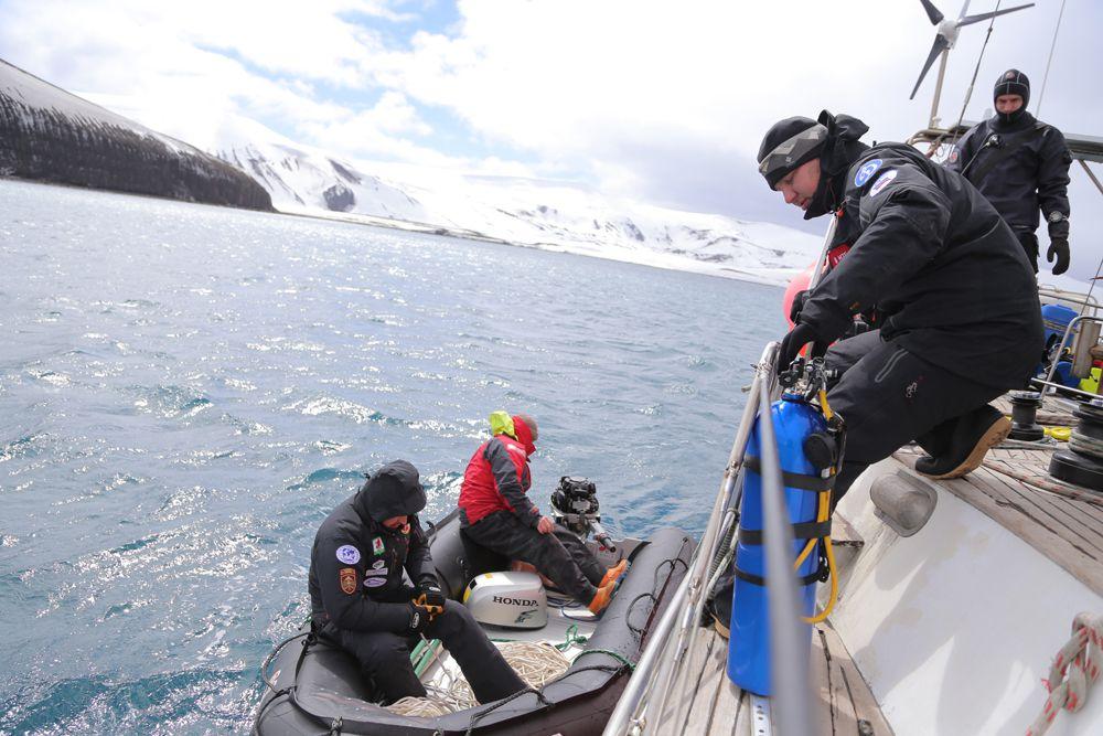 В экспедиции принимали участие 10 человек. Самому юному участнику Валерию Салееву – 18 лет, самому взрослому, Андрею Филиппову, 48.