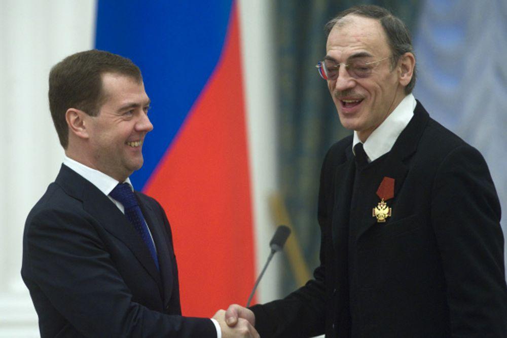 Президент России Дмитрий Медведев и Михаил Боярский. 2009 год.