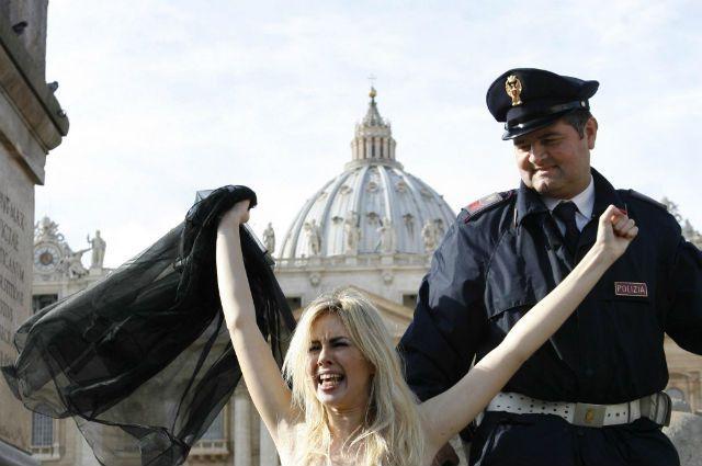Активистка Femen