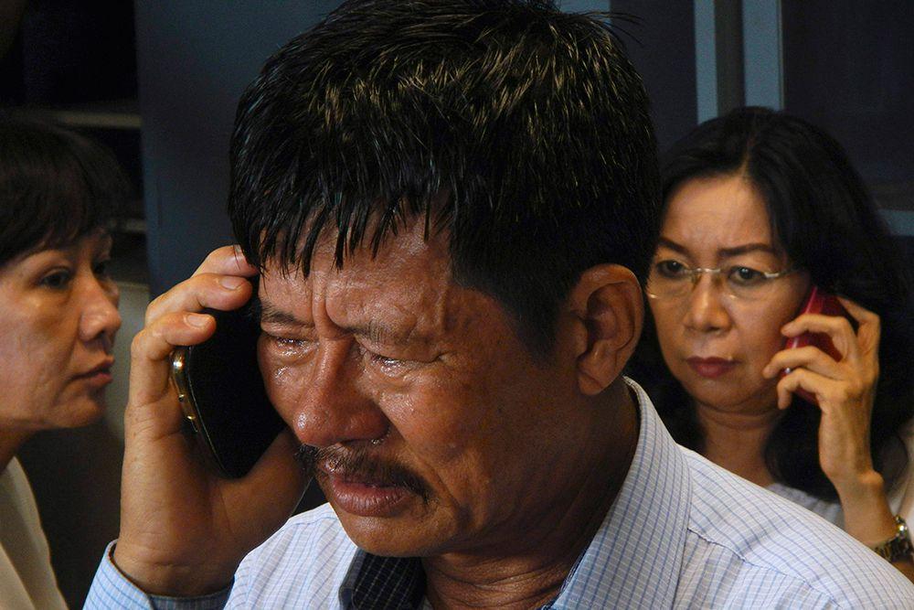 На борту воздушного судна находились 155 пассажиров и 7 членов экипажа, в том числе 156 граждан Индонезии, три гражданина Южной Кореи, один уроженец Сингапура, один подданный Великобритании и один гражданин Малайзии.