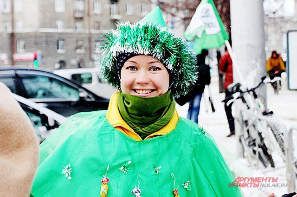 В процессии ехали не только Деды морозы, но и Снегурочки