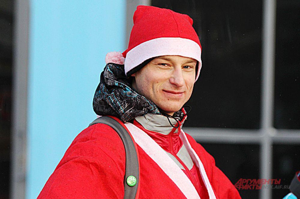 Лёгким движением руки велосипедисты превратились в Дедов морозов!