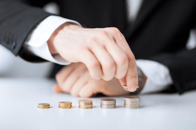 Омская область стала третьей с конца по уровню зарплаты.