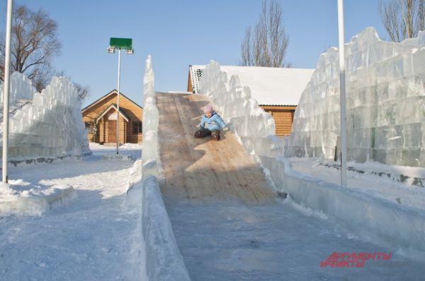 Ледовый городок «Беловодье» почти готов к открытию.
