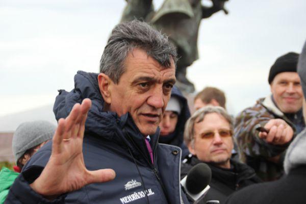 Подводя итоги двухдневных работ, губернатор Севастополя Сергей Меняйло заявил, что на этом месте не будет жилых домов.
