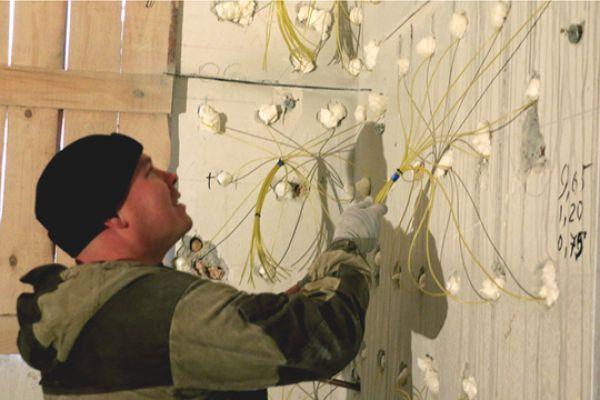 План по подрыву недостроенной многоэтажки разрабатывало предприятие «Альфа экспедишн демайнинг», имеющее лицензию и допуск к проведению взрывных работ.