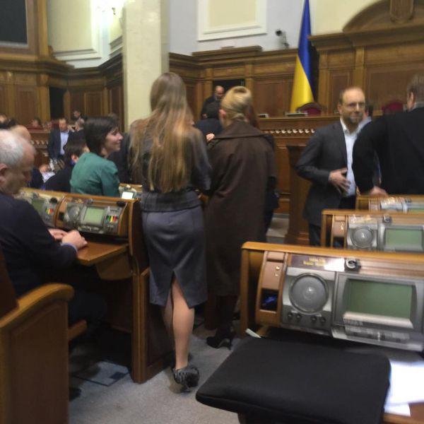 Игорь Мосийчук: «Как могли с 10:00 29 декабря по 04:15 30 декабря правили правительственный проект бюджета»