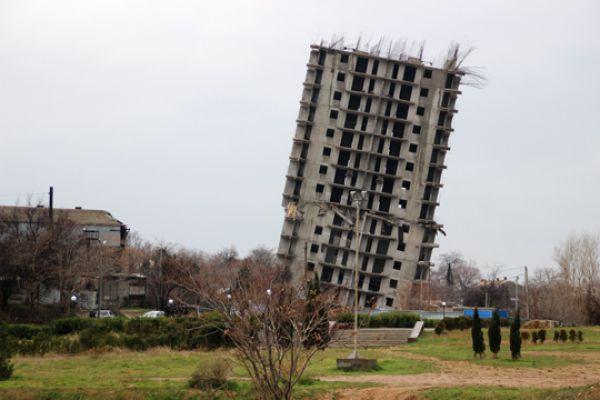 По словам заказчика строительства – председателя ОК ЖСТ «Анит» Николая Соколова, здание было самым прочным на всей территории Российской Федерации, и попытка взорвать его была изначально обречена на провал.