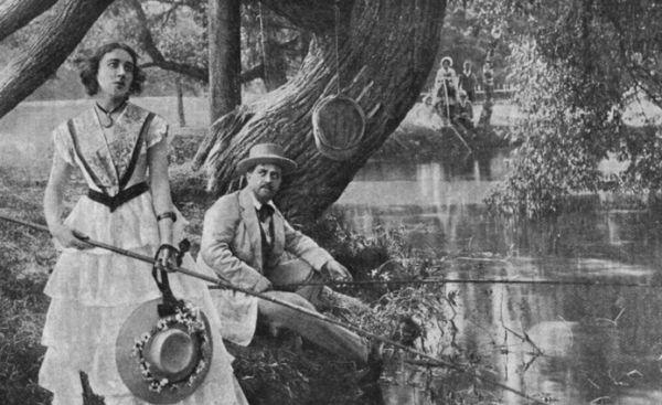 В 1915 году выходит фильм Владимира Гардина и Якова Протазанова. Роль Наташи Ростовой исполнила 34-летняя актриса и певица Ольга Преображенская. Это была черно-белая немая лента, которая, к сожалению, к нынешнему времени не сохранилась.