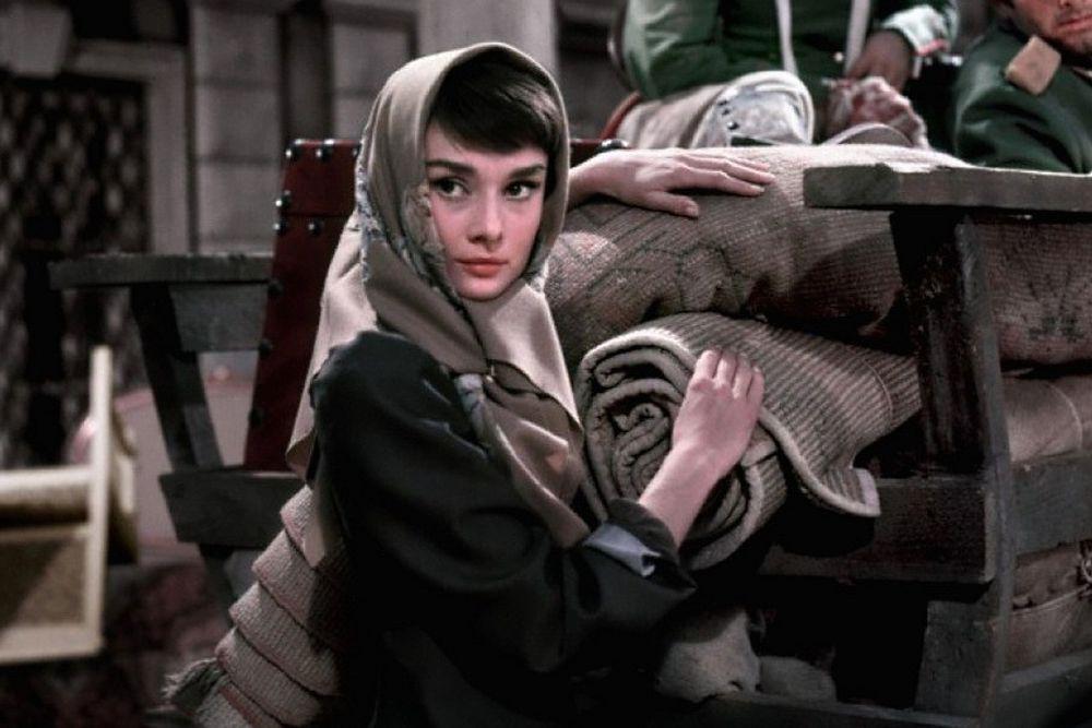 В 1956 году на большой экран вышла картина «Война и мир» американского режиссера Кинга Видора. Образ Наташи Ростовой воплотила Одри Хепберн.