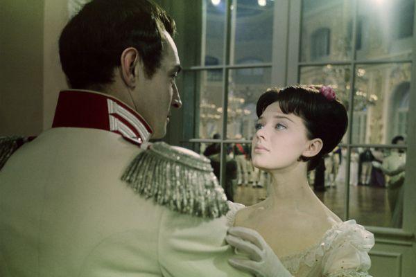 Главную женскую роль в фильме Сергея Бондарчука сыграла Лариса Савельева.