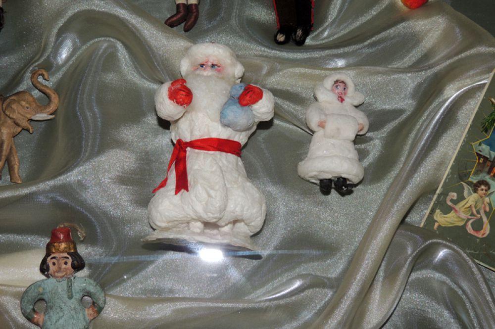 Дела Мороза и Снегурочку первоначально делали из ваты.