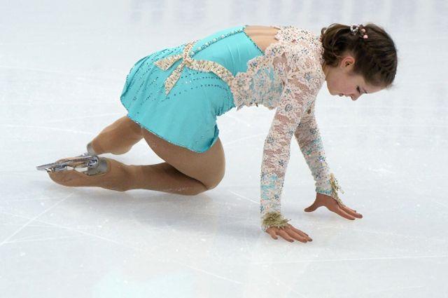 Юлия Липницкая в произвольной программе женского одиночного катания на чемпионате.