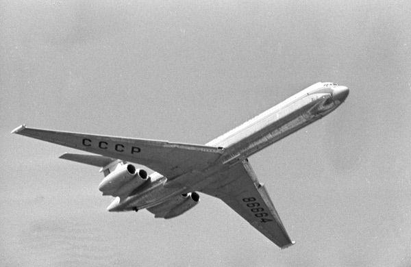 Годовой налет одного самолета был доведен до 2300-2500 часов, что было сопоставимо с налетом лайнеров крупнейших зарубежных авиакомпаний.