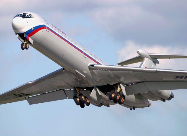 Ил-62 служил правительственным самолетом в СССР, в Российской Федерации, в Северной Корее и в Украине в течение многих десятилетий. «Самолет №1» перевозил первых лиц государства: Брежнева, Ельцина. Ил-62 перестал быть самолетом президента в 1995 году, когда на смену ему пришел самолет Ил-65. Сегодня самолеты Ил-62 используются только в ВВС, МЧС, в специальном летном отряде «Россия».
