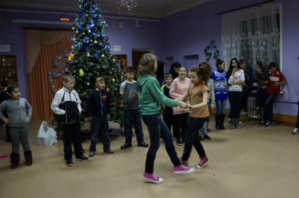 В Барсуках дети любят танцевать
