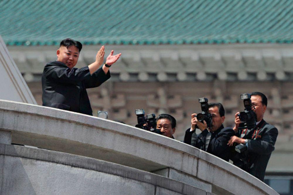 По официальной версии, Чан Сон Тхэк был казнён по приговору военного трибунала министерства народной безопасности за попытку свержения государственного строя и верховной власти. Помимо этого, Чан Сон Тхэк был обвинён в коррупции и моральном разложении.