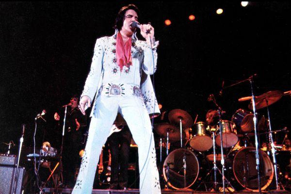 За 15 лет — с 1956-го по 1969-й — «Король рок-н-ролла» снялся в 33 лентах. В целом кинокарьеру Элвиса нельзя назвать удачной. Большая часть фильмов с его участием - это посредственные музыкальные и костюмные мелодрамы. Не будь в них Пресли, о фильмах через год бы уже никто не вспомнил. В конце концов, Элвис заявил, что скорее выйдет из шоу-бизнеса, чем снимется еще в одной кинокартине.