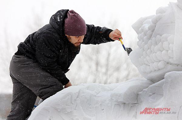 Скульпторы прорабатывали каждую деталь. На это уходили часы кропотливой работы.
