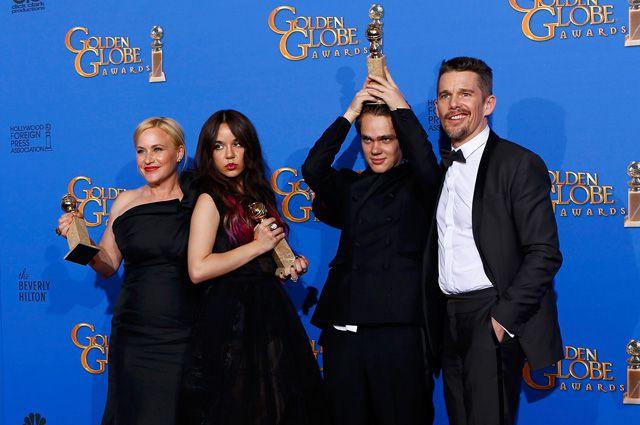 Актеры, снимавшиеся в фильме «Отрочество»: Патрисия Аркетт, Лорелей Линклейтер, Эллар Колтрейн, Итан Хоук.