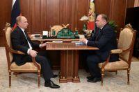 Владимир Путин и Николай Цуканов во время встречи в Кремле.