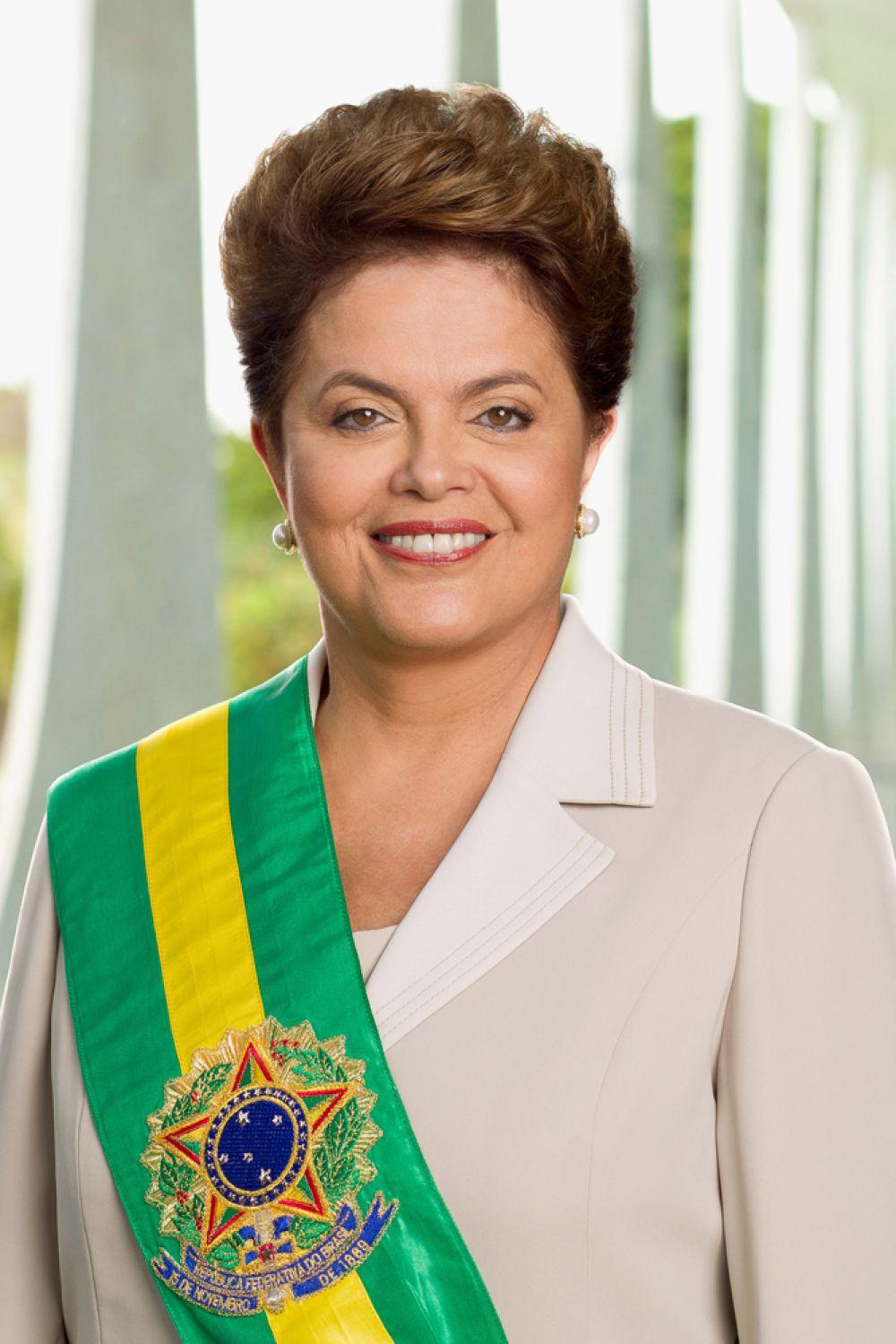 Кто бы мог подумать, что однажды президентом Бразилии станет женщина! Но в 2011 году к власти пришла Дилма Русеф – бразильянка с болгарскими корнями. В жизни этой женщины имели место и арест, и заключение в тюрьму, и даже пытки.