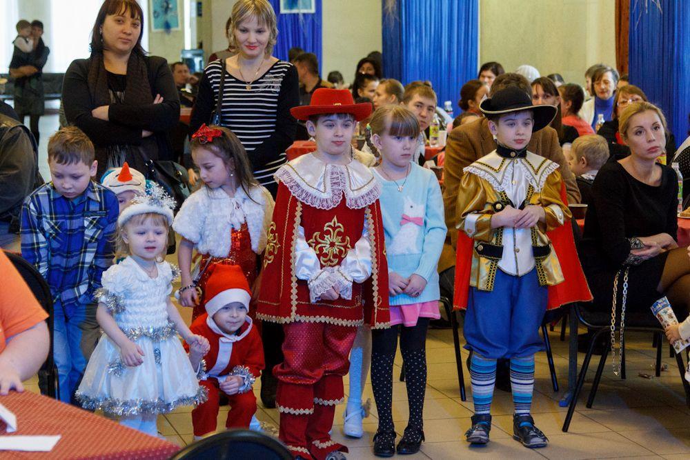 Традиции маскарадов на Среднем Урале не забыты.