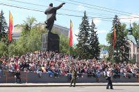 Памятники Ленину последнее время повсеместно становятся объектами горячих споров.