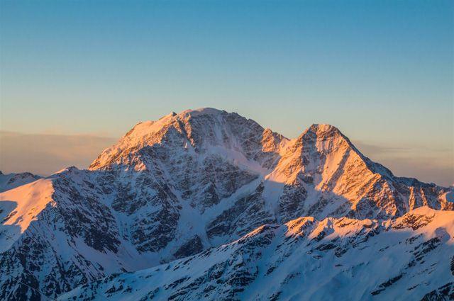 Спортсмен на протезе из Новосибирска покорил вершину Алтая