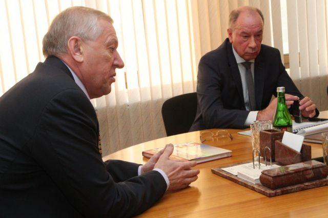 Евгений Тефтелев и Михаил Буренков.