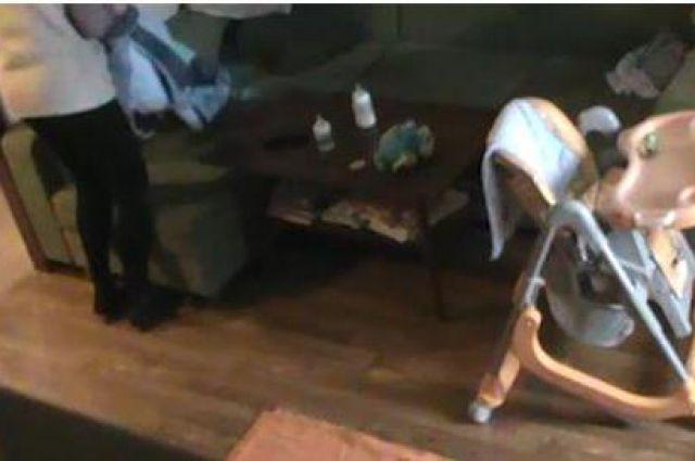 Кадр с видео скрытой камеры.