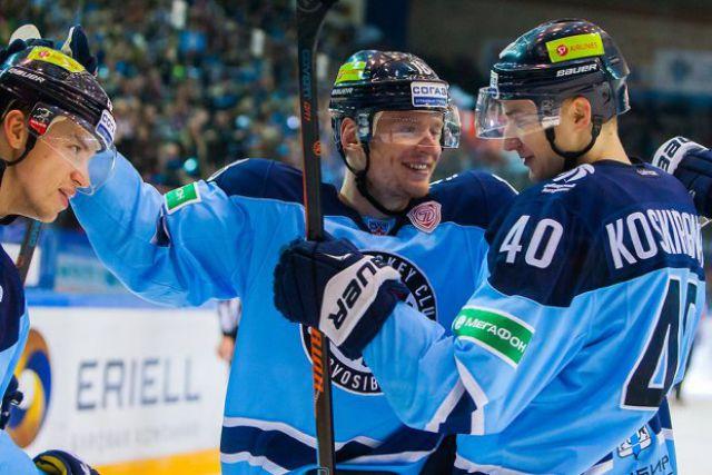 Хоккейная «Сибирь» одержала победу в Ханты-Мансийске