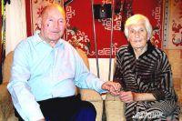 С женой Тамарой воспитали троих детей и уже нянчат 13 правнуков!