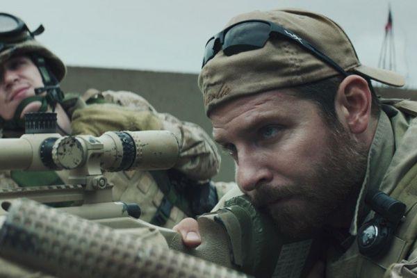 Фильм Клинта Иствуда «Американский снайпер» претендует на «Оскар» в шести номинациях, в том числе на звание лучшего фильма года и приз за лучшую мужскую роль (Брэдли Купер). В основе картины лежит реальная история — «Американский снайпер» снят по мемуарам морского пехотинца Криса Кайла, ставшего рекордсменом по числу убитых врагов в Ираке.